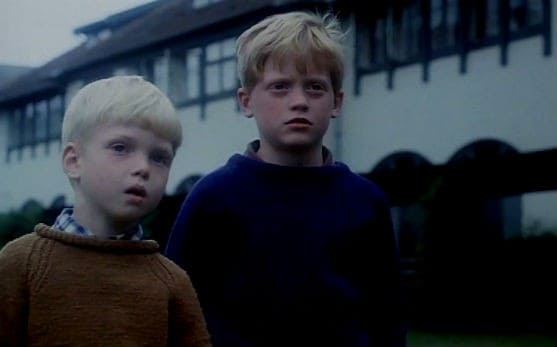 Mads Ole Erhardsen ( Ole ) and his cousin in the Danish 1977 film Drenge