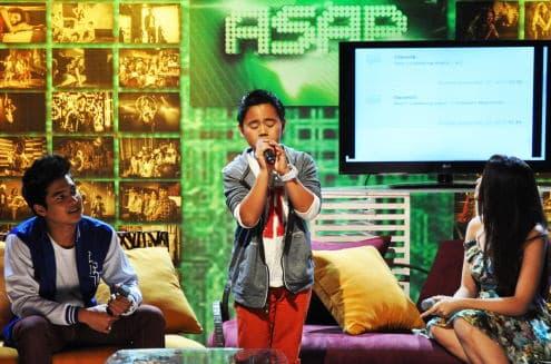 Sam Santiago Performs In The Philippines