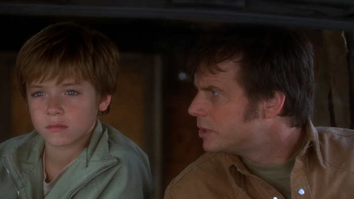 Adam (Jeremy Sumpter) and his dad (Bill Paxton) in Frailty (2001)
