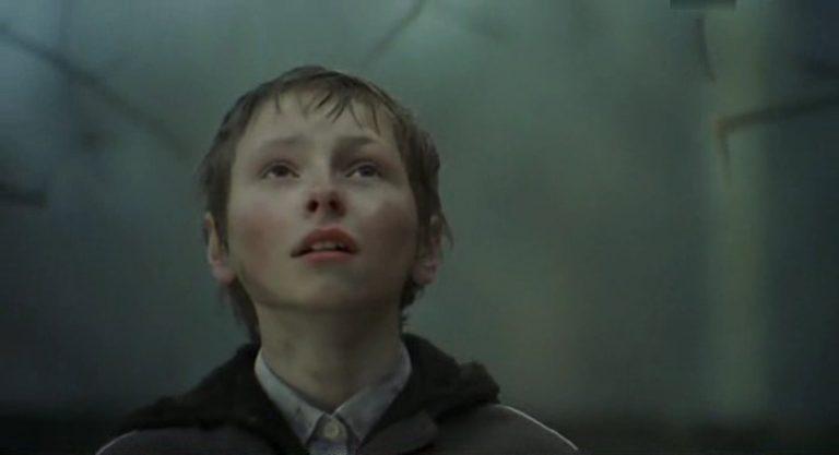 Torn (2003)/Zerwany