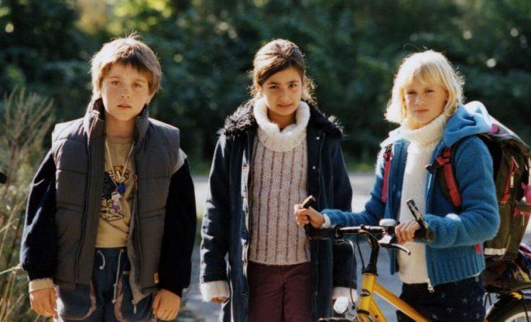 Aksel (Adam Gilbert Jespersen), Fatima(Nour El-Foul) and Annika (Nadia Bøgild)